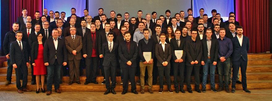 52 junge Frauen und Männer haben ihre Ausbildung erfolgreich beendet
