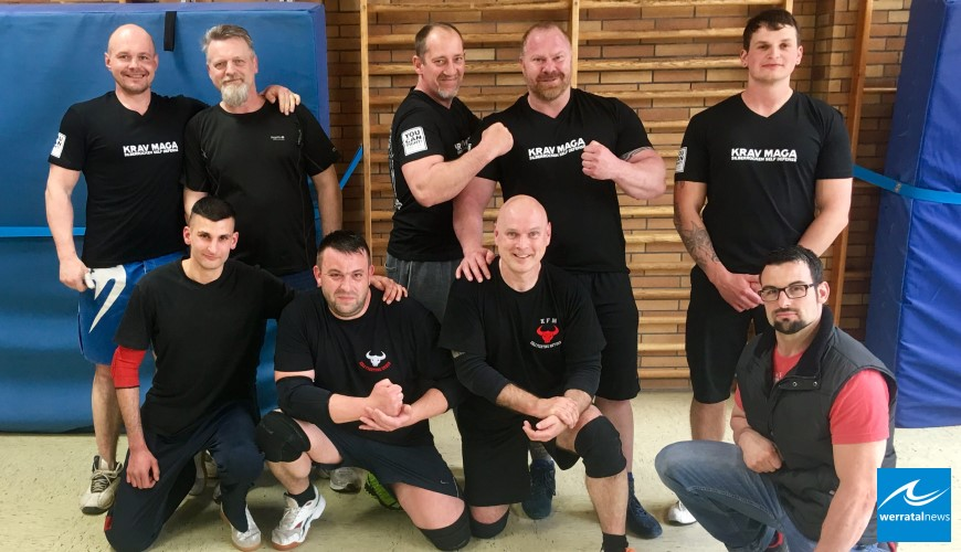 Gemeinsames Training bei der Kali Fighting Group