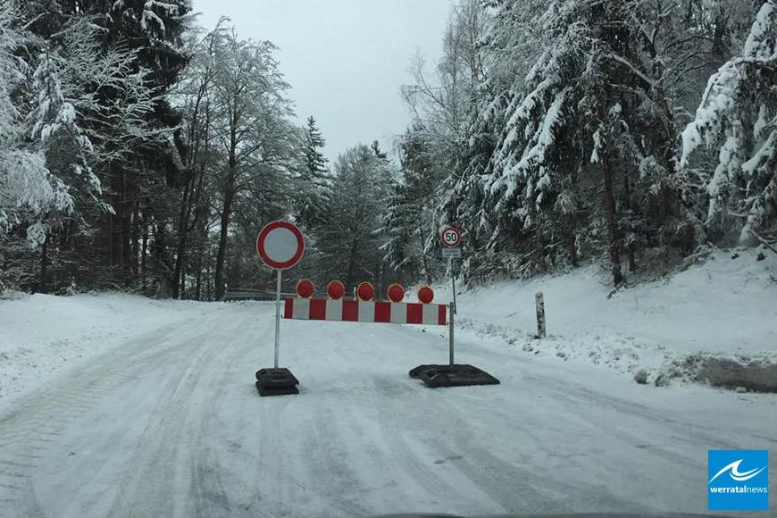Sturmschäden im Landkreis: Sieben Straßen gesperrt