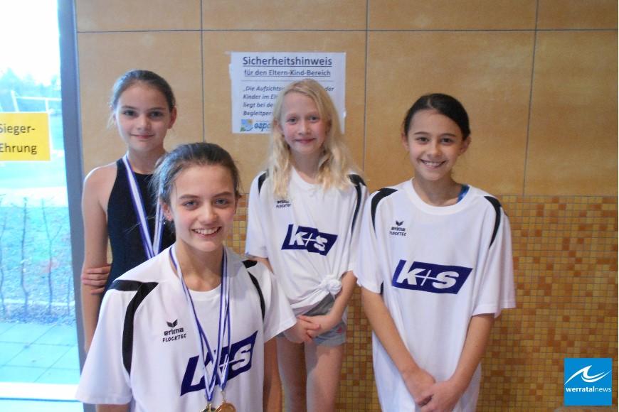 Starker Auftritt der Heringer Mädchen beim Schwimmfest