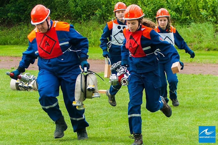 """Landrat Koch: """"Wir investieren in die Zukunft der Feuerwehren"""""""