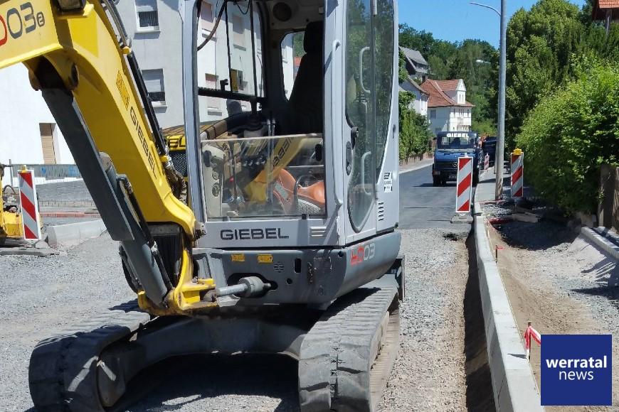 Die Baufortschritte in der Wölfershäuser Straße werden nun auch endlich sichtbar