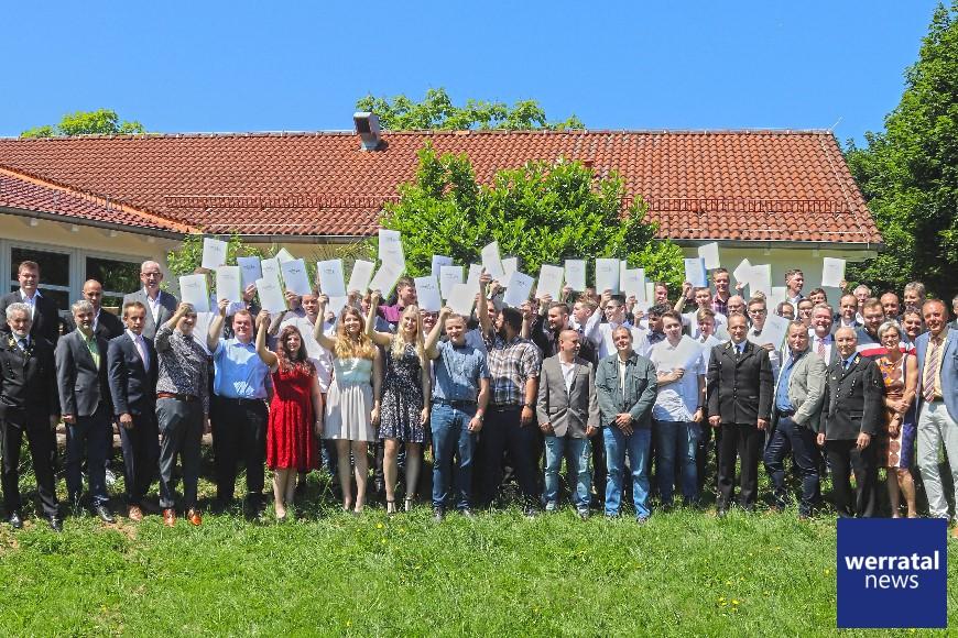 Freisprechung in Oberzella: Ausbildungsende für 43 Männer und Frauen