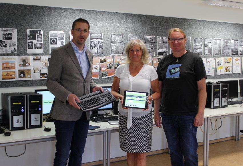 Zum Ferienende: Blumensteinschule hat ersten Glasfaseranschluss