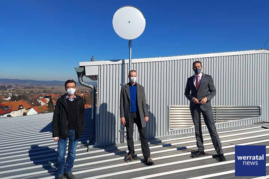 Schnelleres Internet für Schulstandort Heringen: Schulen surfen mit Richtfunk