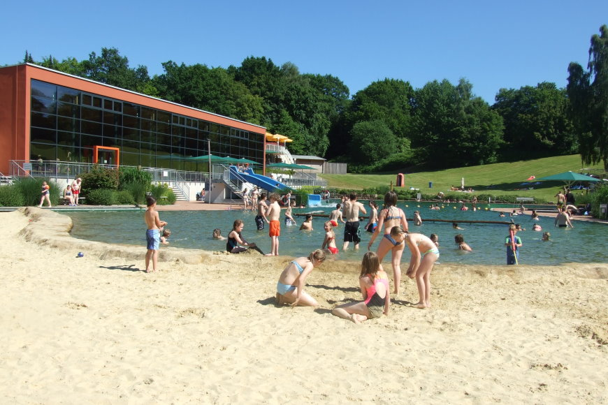 Sommersaison im fritz kunze bad in Heringen hat begonnen